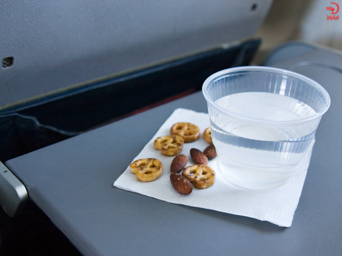آلرژی به خشکبار از دلایل اخراج از هواپیما