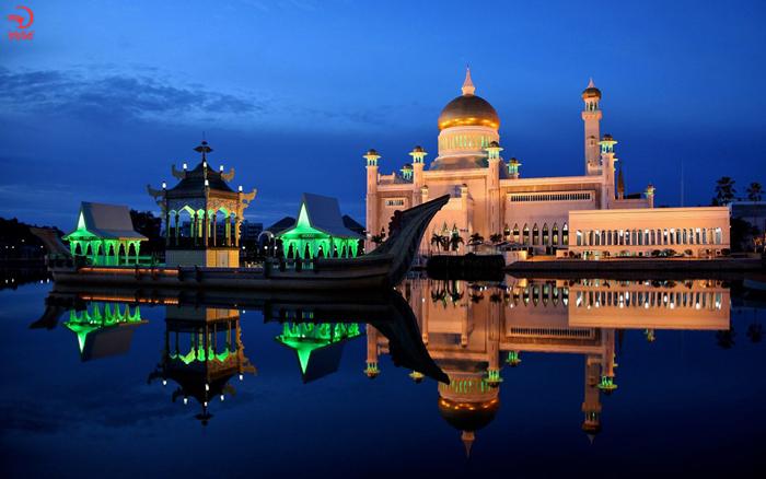 آشنایی با مساجد شناور دنیا