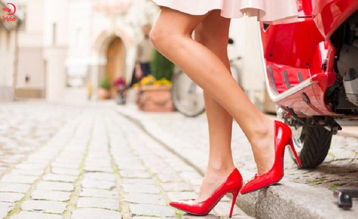 در یونان کفش پاشنه بلند نپوشید