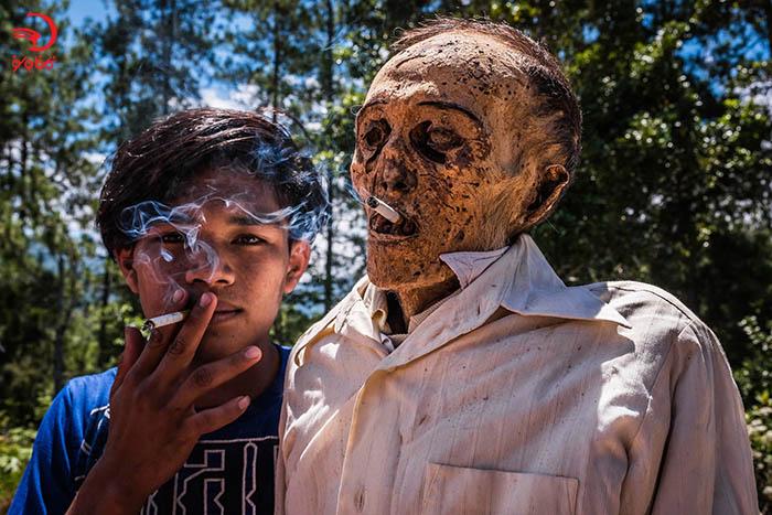 زندگی با مردگان در اندونزی