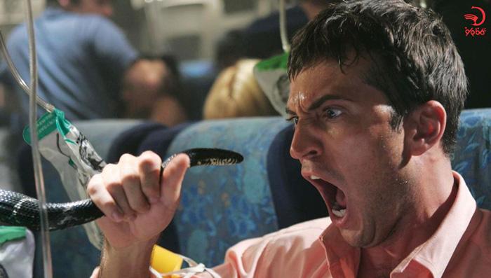 فحاشی با صدای بلند از دلایل اخراج از هواپیما