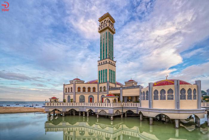 مسجد شناور تانجونگ بونگا، مالزی