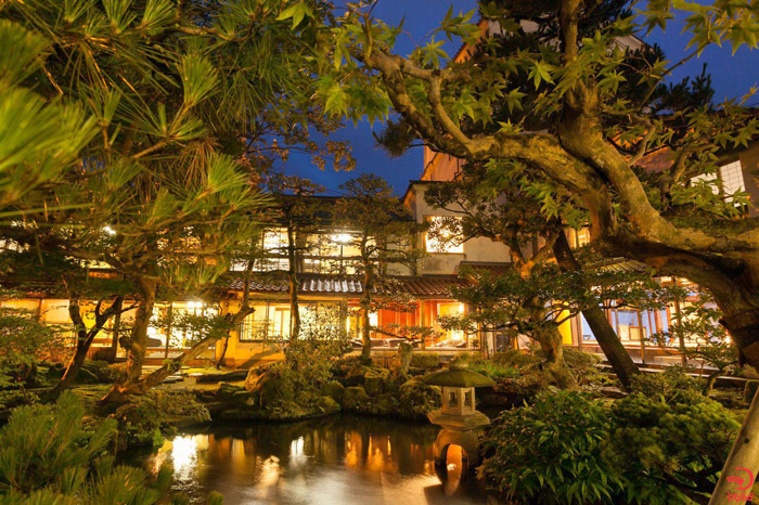 هتل هوشی ریوکان