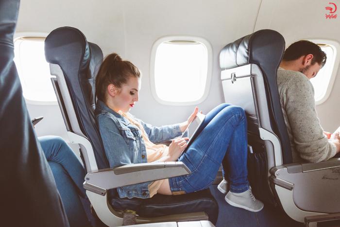 بالش مسافرتی، گوش گیر و چشم بند در پرواز های طولانی