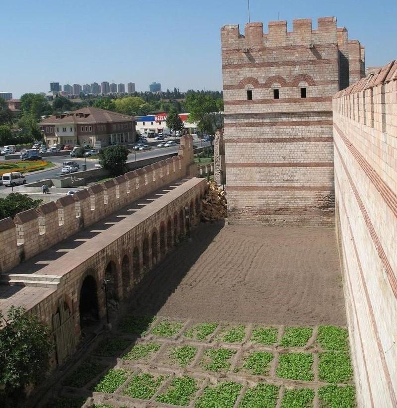 دیوار تئودوسیوس