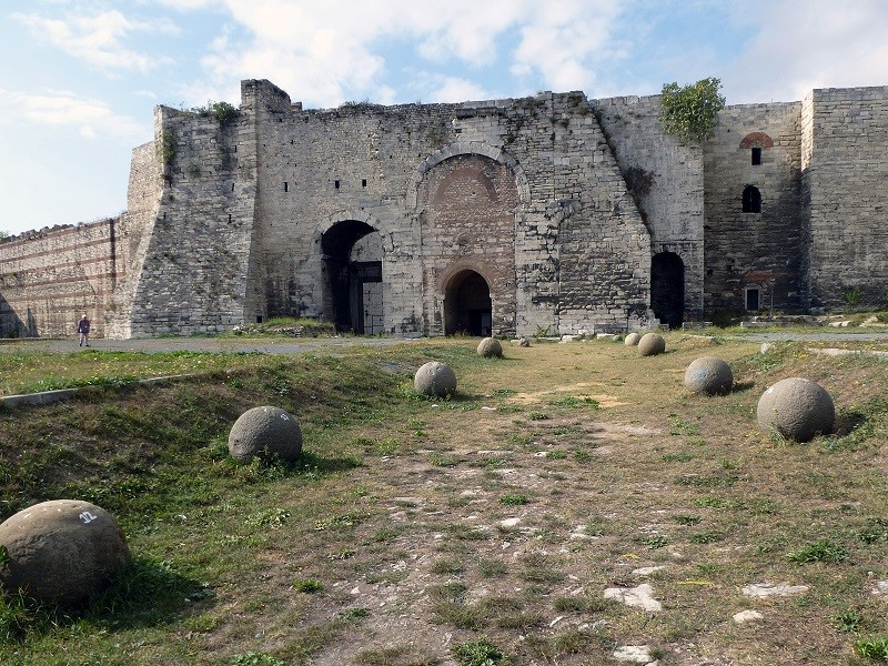 تاریخچه ی قلعه ی یدیکوله