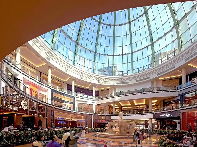 خرید در مرکز خرید امارات