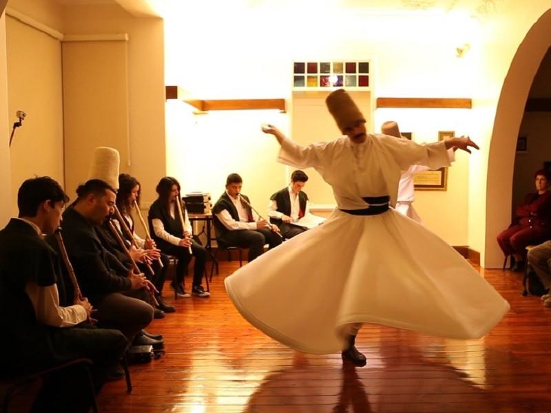 موزه ی رقص درویش های خیابان استقلال