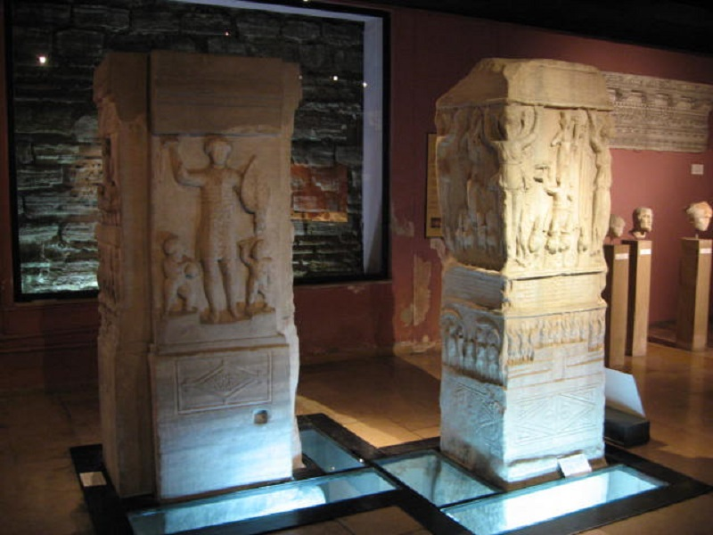 مجسمه ی پورفیریوس