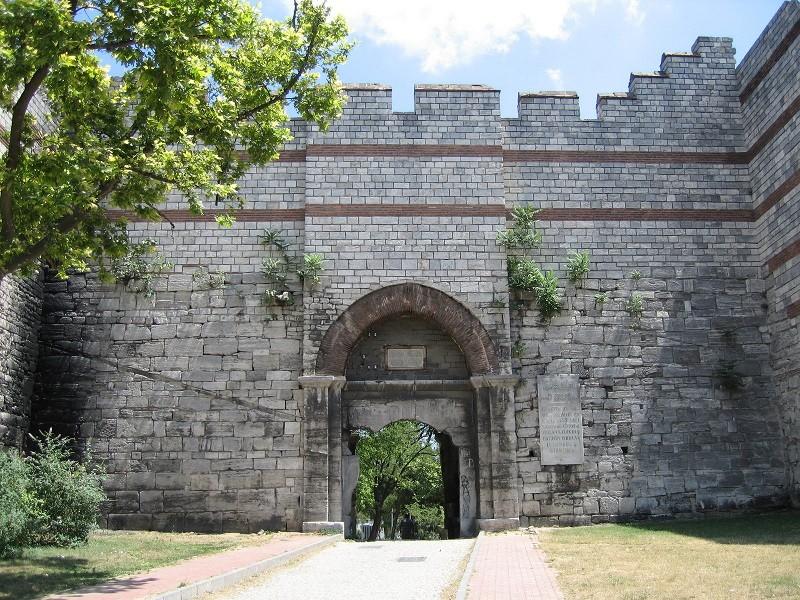 دروازه ی چاریسیوس
