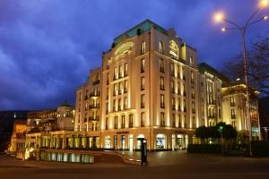هتل آمباسادوری تفلیس