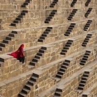 با 9 تا از خیره کننده ترین راه پله های دنیا آشنا شوید