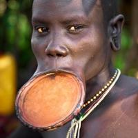 عجیب ترین آداب و رسوم مردم جهان که هنوز اجرا می شوند!