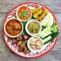 10 غذا تایلندی که باید امتحان کنید